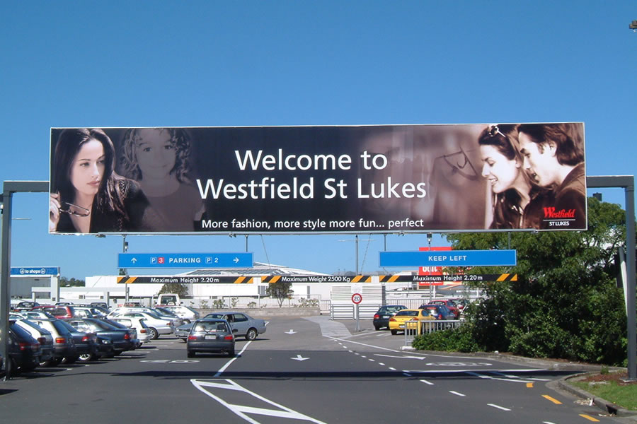 large-banner-signwriting-service-auckland