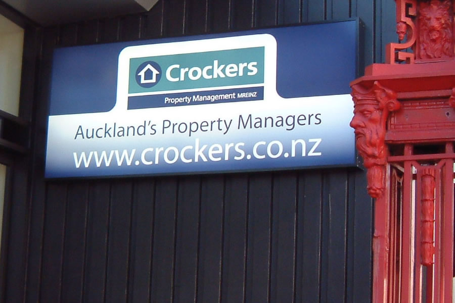 light-box-signwriting-service-auckland